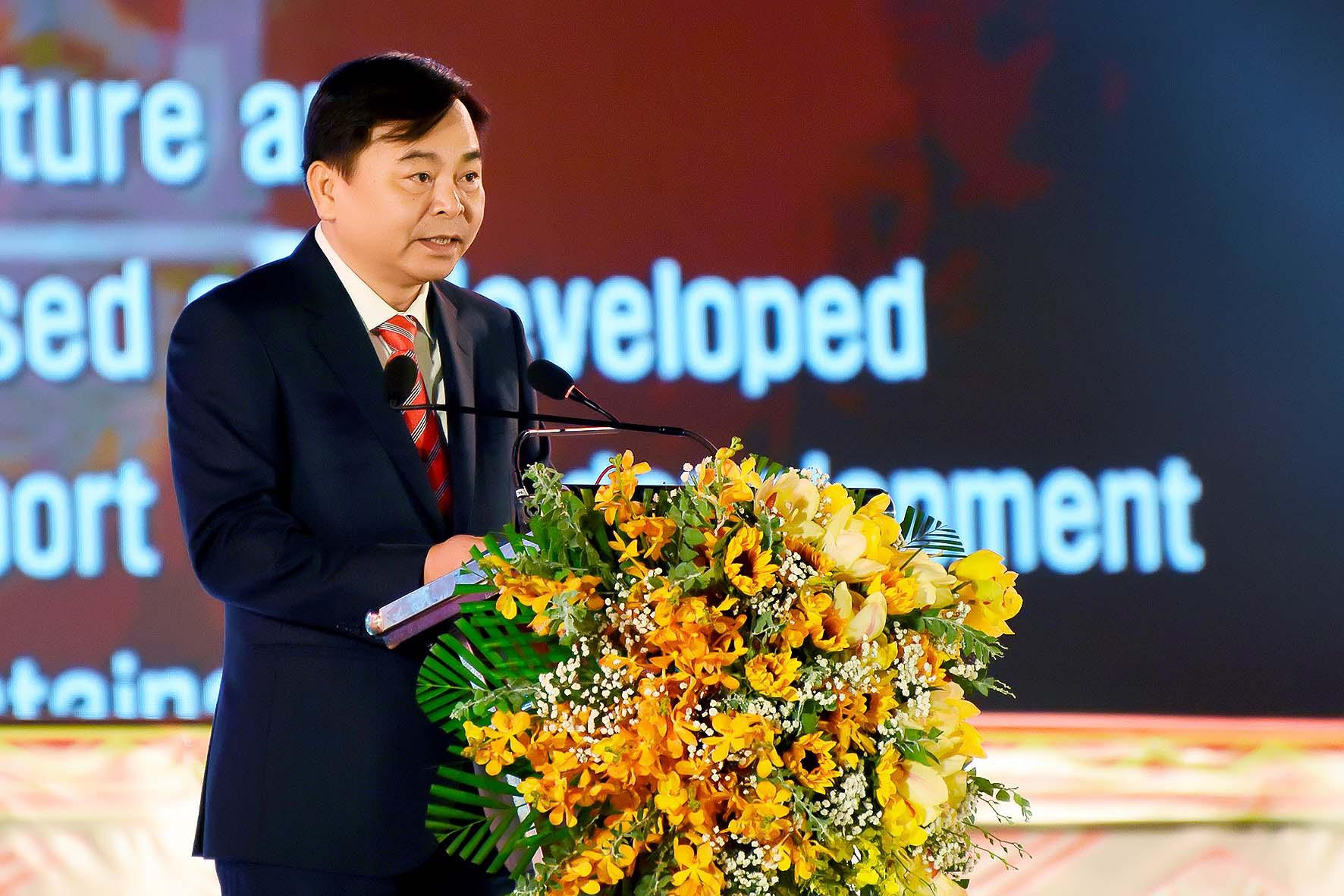 ông nguyễn hoàng hiệp thứ trưởng bô NN&PTNT phát biểu tại lễ hội cà phê vệt nam (2).jpg